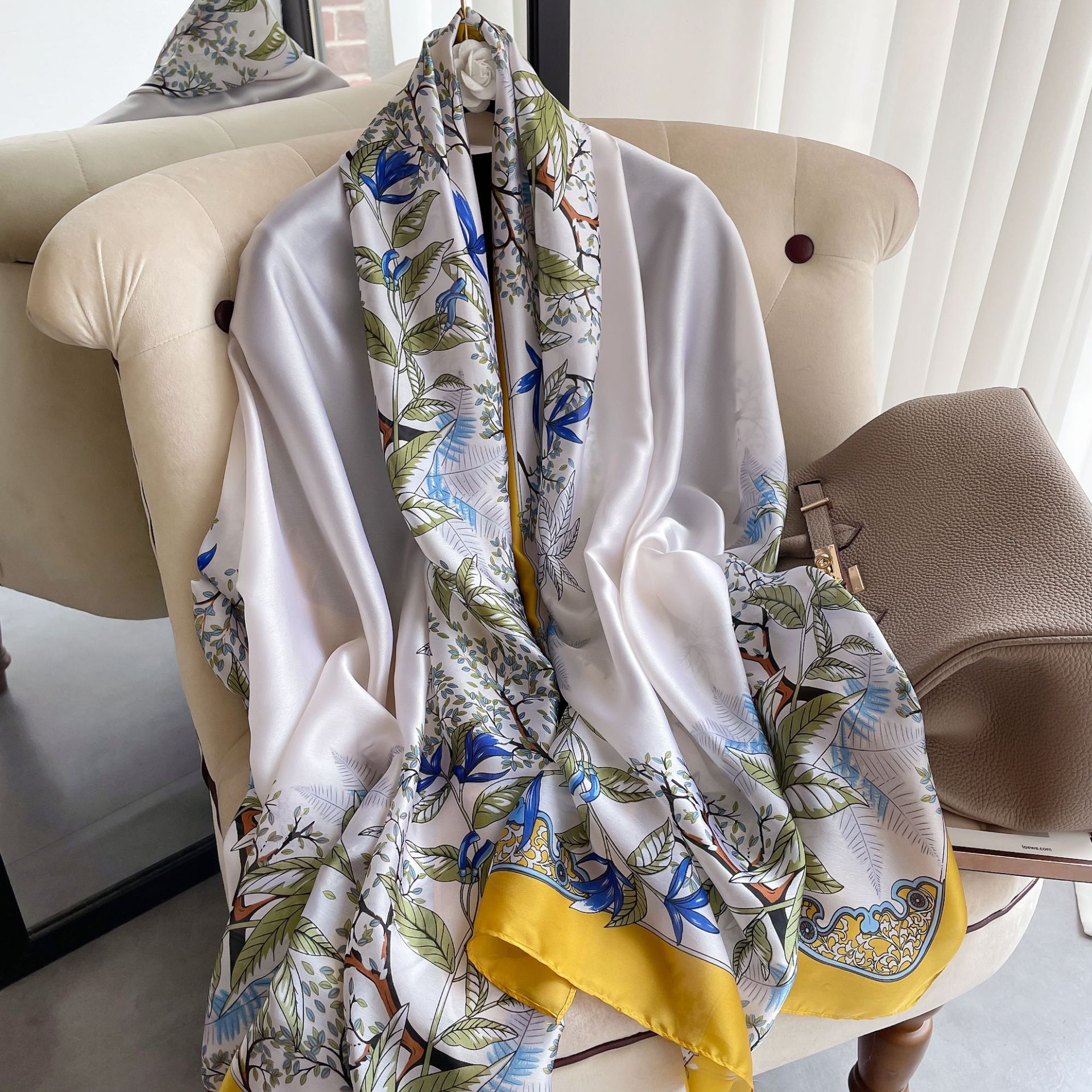 2021 Spring and Summer New Ladies Silk Scarf Simulation Silk Scarf Long Wild Sunscreen Shawl Beach Towel 180-90cm недорого