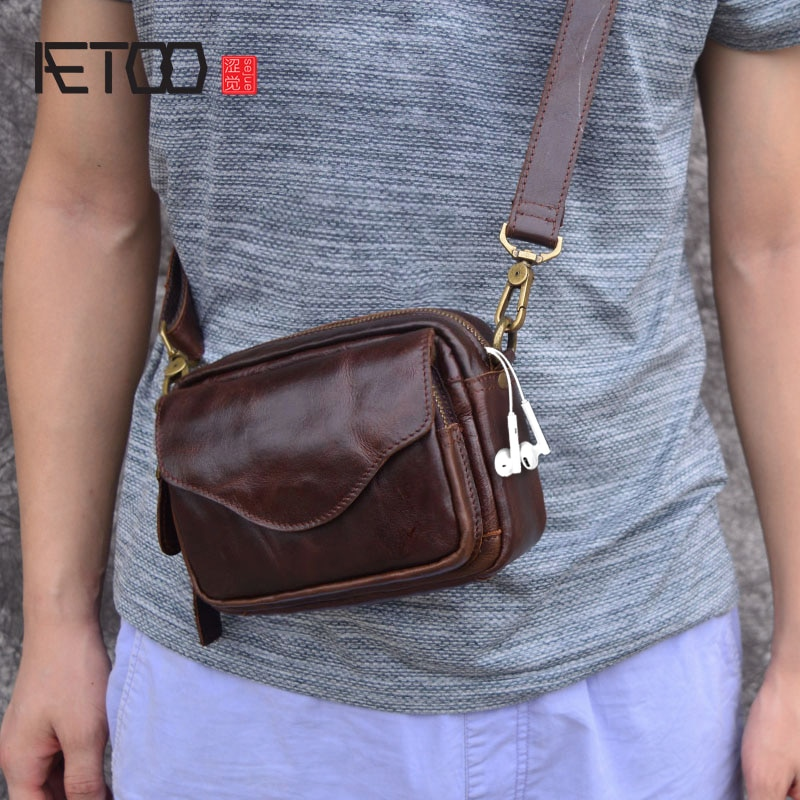 aetoo casual cowhide leather messenger bag small shoulder bag men mini bag genuine leather summer flaps phone bags AETOO New Fashion Cowhide Man Messenger Bags Genuine Leather Male Cross Body Bag Casual Men small Bag