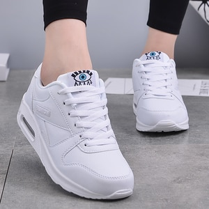 2020 Winter Fashion Women Casual Shoes Leather Platform Shoes Women Sneakers Ladies White Trainers Light Weight Chaussure Femme