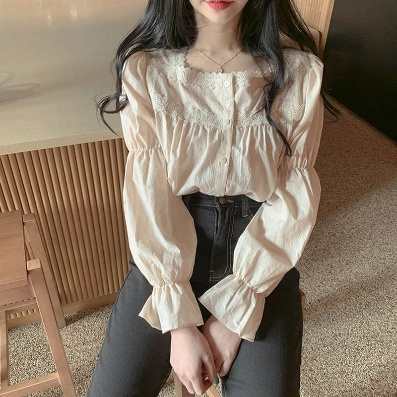 Autumn Vintage Court Style Lace Stitching Square Collar Super Fairy Bell Sleeve Shirt Women's Top