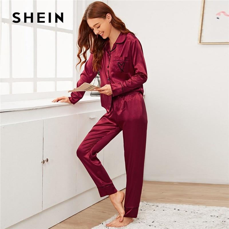 SHEIN Bourgondië Notched Kraag Hart Borduurwerk Satijn PJ Set Vrouwen Nachtkleding Lente Lange Mouw Knop Front Elegante Pyjama Sets