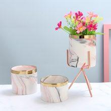 Pot de fleurs de table en marbre doré   Motif de marbre nordique, Vase dart en fer, Vase de Style minimaliste, décoration de salon de mariage à la maison