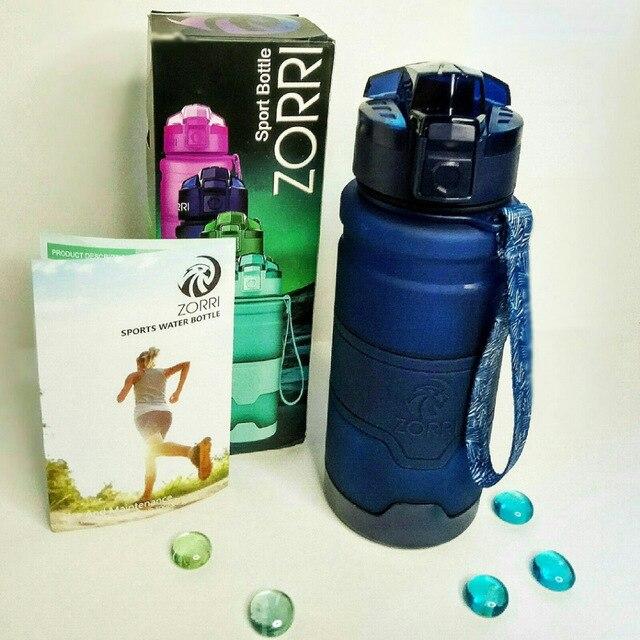 Zorri presente de natal esportes garrafa de água portátil plástico spray garrafa leakproof viagem acampamento watter garrafa com escova
