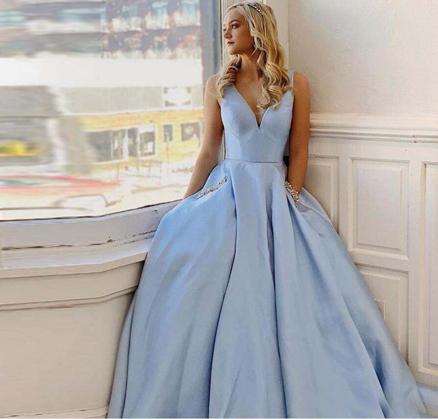 فستان حفلة بسيط باللون الأزرق السماوي ، ياقة على شكل v ، مع جيوب ، أرجوحة ، ملابس للمناسبات الخاصة ، فستان رسمي طويل للمشاهير