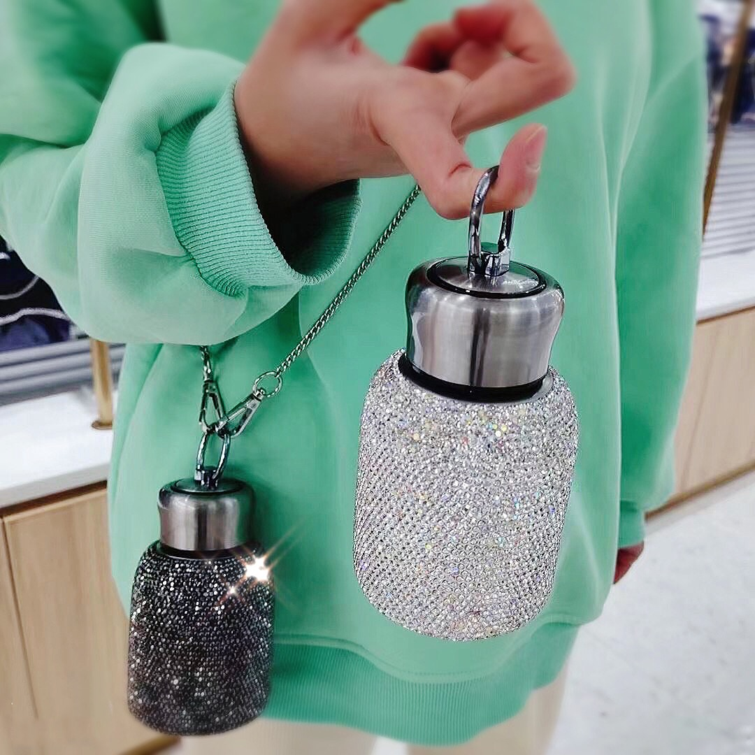 زجاجة تُرمُس الماس مع سلسلة 304 مكنسة من الفولاذ المقاوم للصدأ قارورة كوب هدية للرجال النساء زجاجات مياه 300 مللي تألق Kawaii