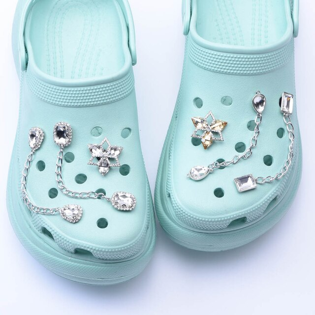 1pcs New  Chain Designer Croc JIBZ Shoe Charms  Accessories Decoration for Croc Clog Shoes Pendant Buckle for Girl Gift