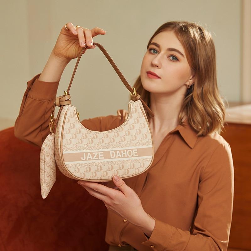 حقائب يد نسائية من علامة تجارية فاخرة ذات تصميم شهير مواكب للموضة حقائب يد منسوجة بكتف واحد حقيبة تحت الإبط