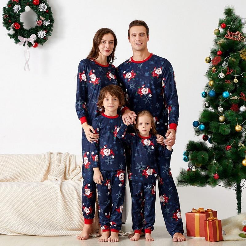 2020 nuevos pijamas familiares de Navidad, conjunto de dibujos animados impresos para adultos, niños, bebés, mamás y yo, ropa a juego para la familia, ropa para dormir