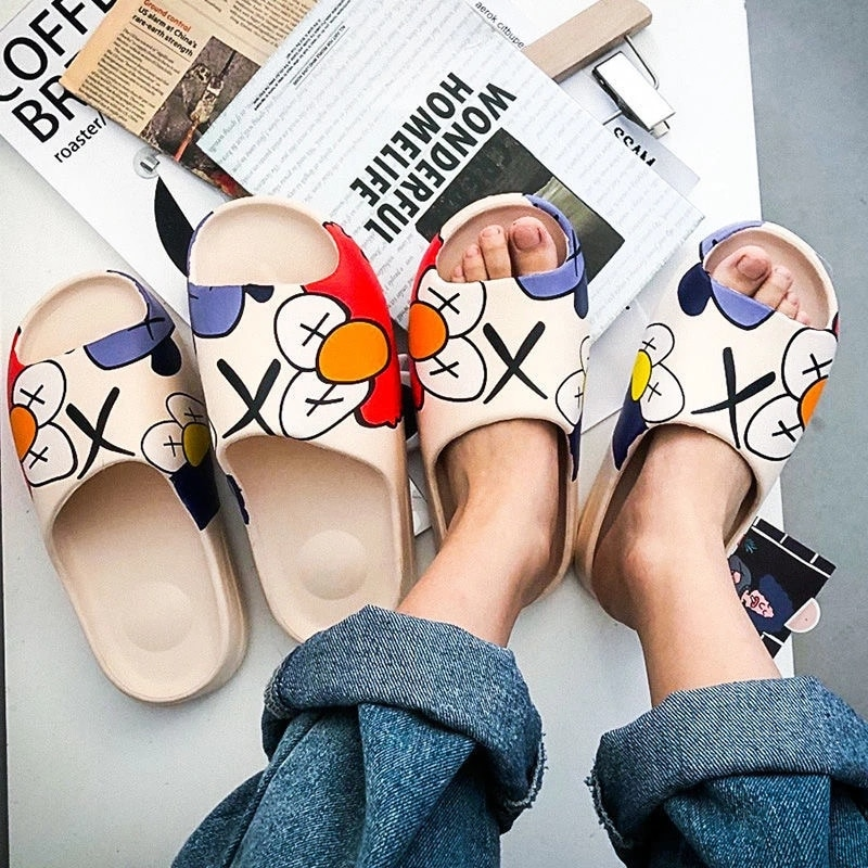 Weh 2020 luxury brand slippers men's and women's shoes slippers indoor house slippers graffiti casual beach slippers EVA quality