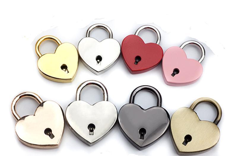 Cerradura concéntrica en forma de corazón Metal Mulitcolor llave candado gimnasio Juego de Herramientas paquete cerraduras de puerta suministros de construcción SN2272