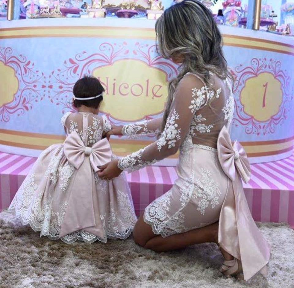 Long Sleeves Mother Daughter Flower Girl Dresses Mother Of Bride Dresses With Big Bow Princess Pink lace Ball Gown