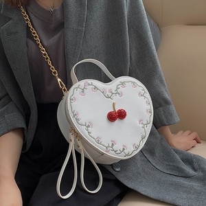 Fashion Embroidered Women Shoulder Bag Cherry Heart Shaped Crossbody Bag Pu Leather Chain Purses And Handbags Ladies Clutch Bag