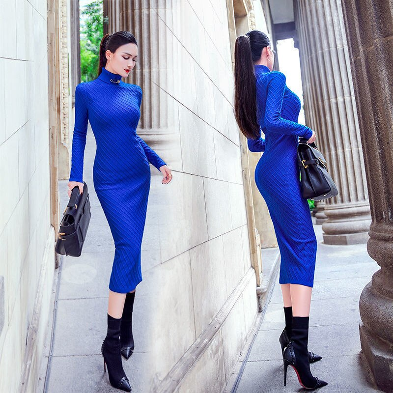 فستان محبوك مطبوع 2021 جديد بياقة عالية نحيف فوق الركبة منتصف طول الخريف والشتاء بلون سترة المرأة تنورة أنيقة