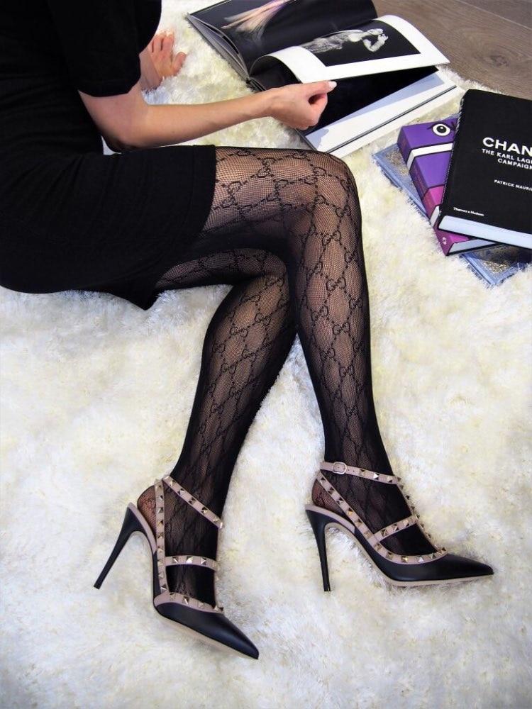 Medias de marca de lujo para mujer, ropa interior de alta flexibilidad, pantimedias de red con letras, lencería estampada Sexy, gran oferta