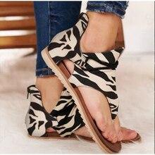 Frauen Sandalen Sommer Neue Damen Flache Leopard Print Plus Größe Clip Kappe Tanga Schuhe Frauen Mode Abdeckung Ferse Casual Plus größe