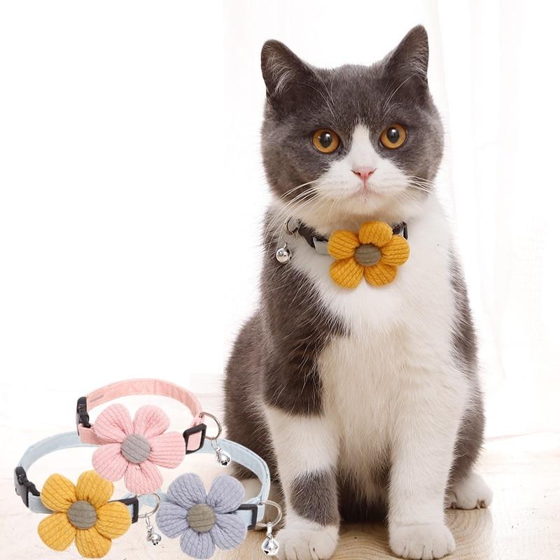 Pet collar para perros y gatos collar ajustable de girasol lindo collar de gato y suministros para Mascotas y Cachorros collar campana