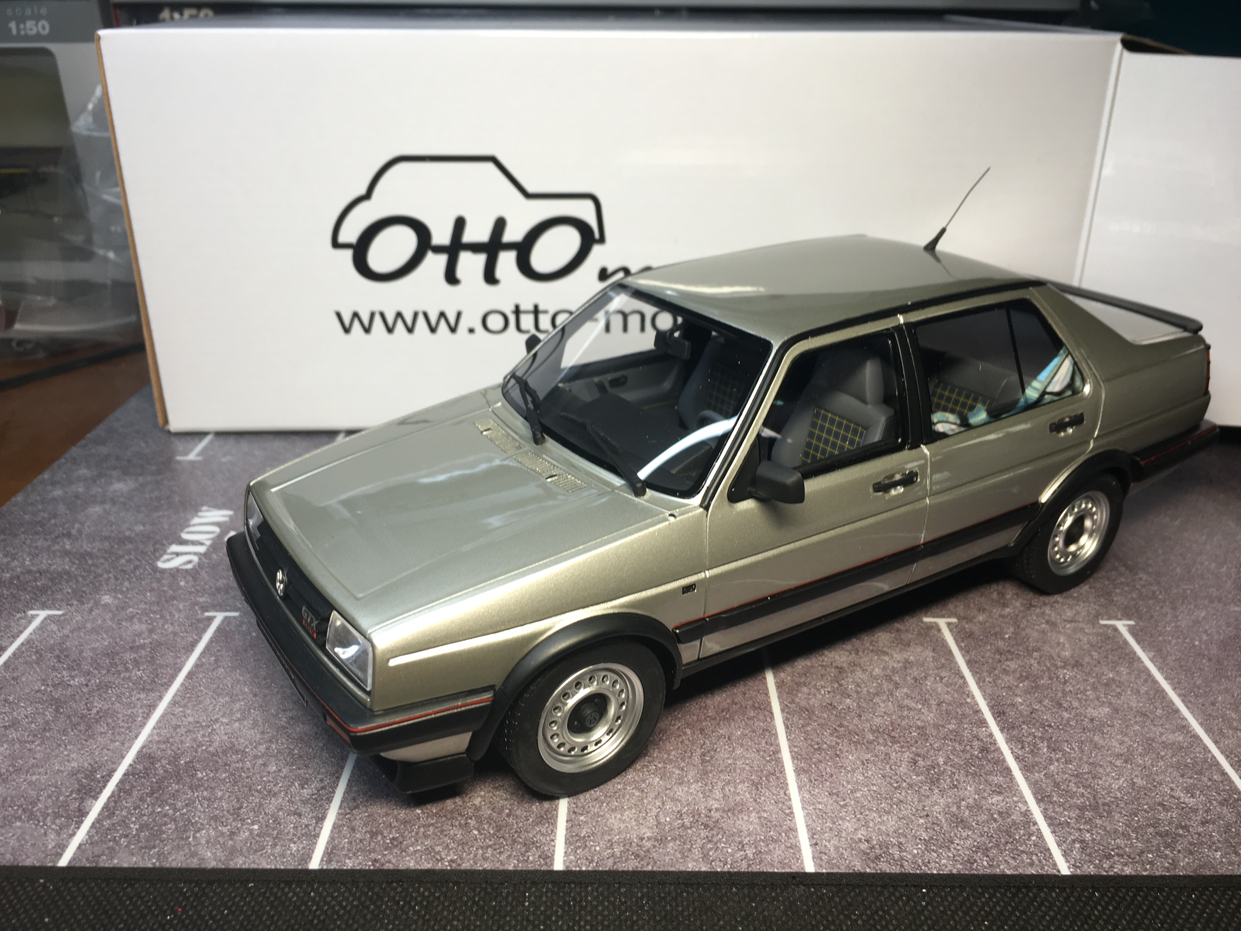أوتو 1/18 جيتا MkII 1987 نموذج الراتنج مجموعة السيارات المحدودة