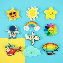 만화 7 색 꽃 항공기 태양 flaky 구름 우주 비행사 브로치 독창성 배지 어린이 상금 의류 액세서리