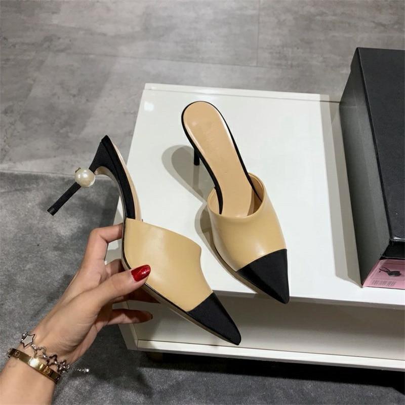 أحذية حريمي مثيرة بمقدمة مدببة عالية الكعب من الجلد الأسود والكعب العالي مضخات زخارف اللؤلؤ الأبيض فستان الحفلات كعوب
