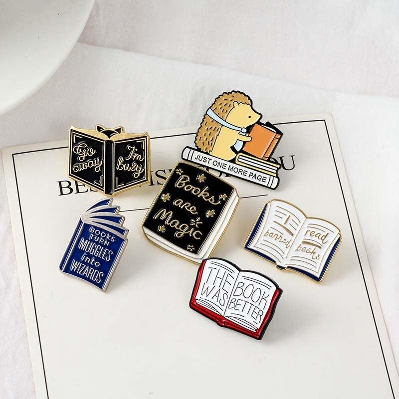Leer más insignias con esmalte de dibujos animados lectura magic book badge broche de solapa Denim Jeans camisa bolsa decoración regalo para chico 1 ud.