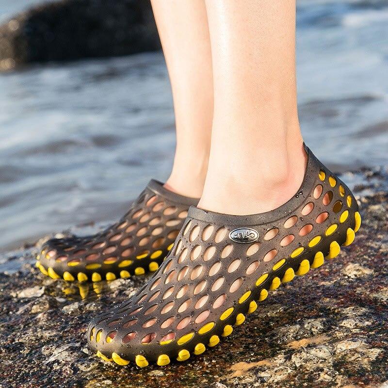 Mujer verano Slip On Hollow Out Hole shoes mujer Casula Outdoor Beach pareja Zapatos Sandalias Mujer señoras zapatos antideslizantes de moda