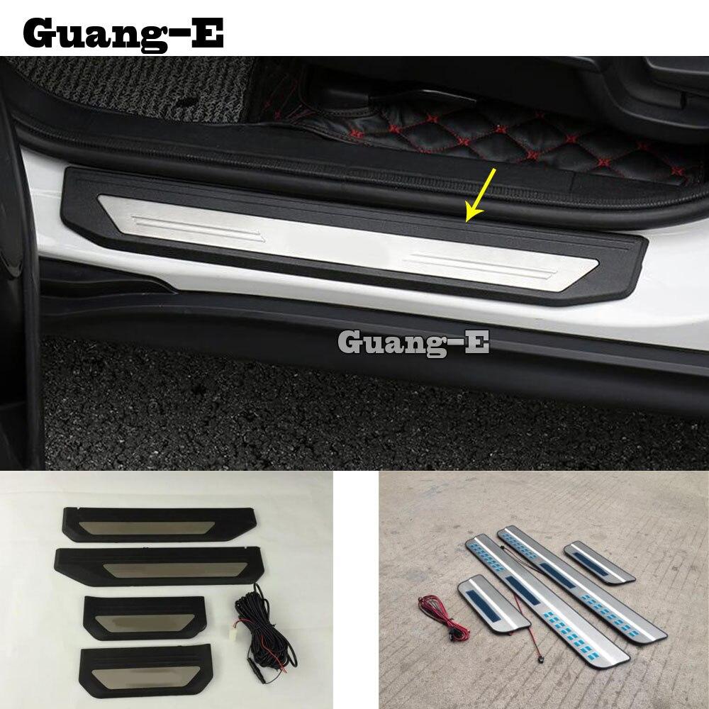 Pedal de estilismo para el coche, barra de placa de desgaste para el umbral de puerta xternal LED, moldura para el umbral, 4 Uds. Para Honda HRV HR-V Vezel 2019 2020