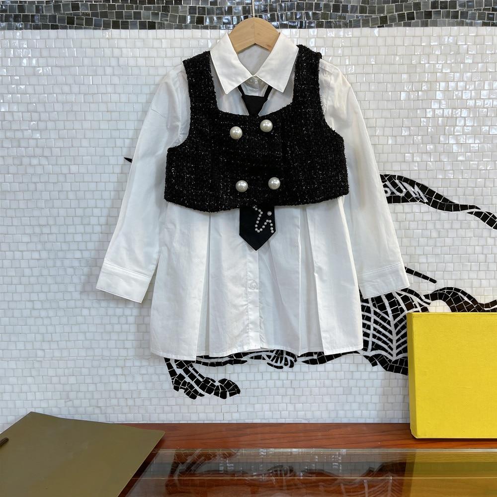 مصمم ملابس الأطفال 2021 أوائل الخريف الفتيات منتج جديد سترة سترة مع فستان بلون قميص ، النمط الغربي وقطع