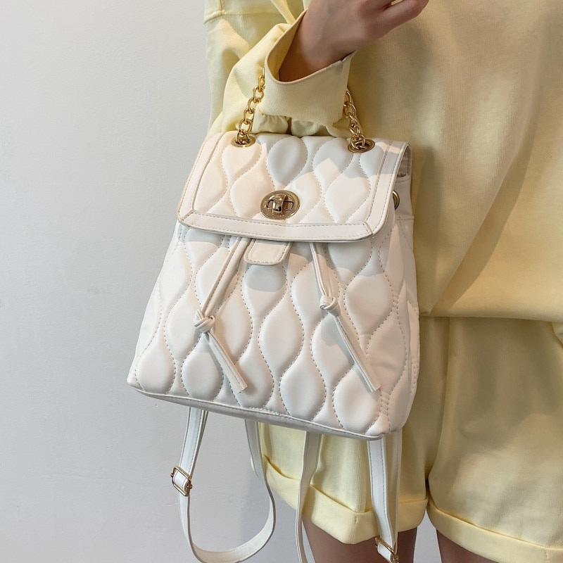 Wihite Chain Backpacks for Women Luxury Soft Leather Backpack Quilted Pattern Backpack Summer Trend School Bags for Teenage Girl