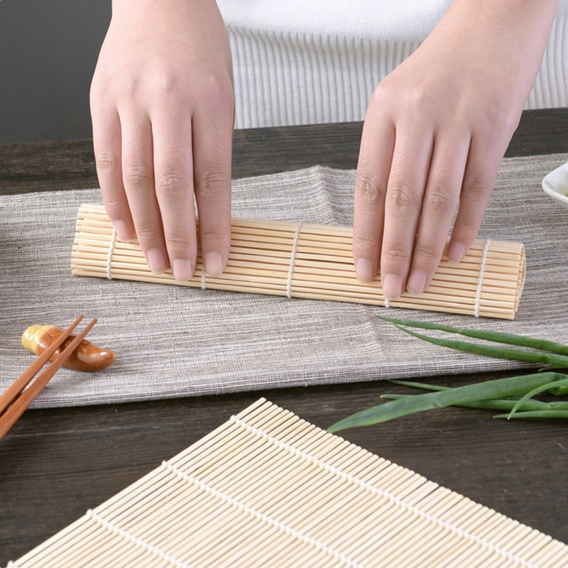 No palo alfombrilla enrollable para Sushi Cortina de Bambú Sushi Kit arroz de bricolaje herramienta de cocina casera Gadget para comida, gran oferta