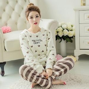 Long Sleeve Women Pajamas Set White Heart Print Winter Warm Thick Flannel Pyjamas Set Round Neck Coral Velvet Women Sleep Wear