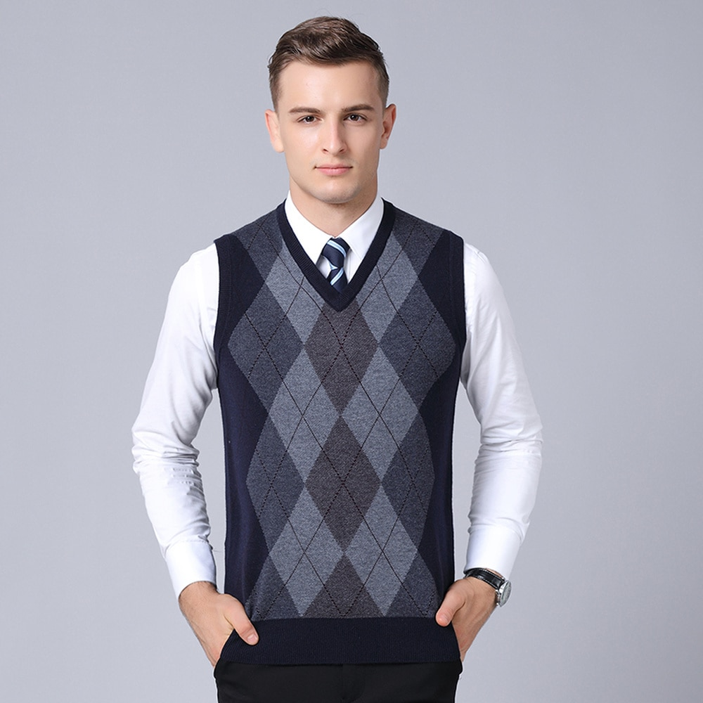 Fashion Brand Sweater Mens Pullovers V Neck Vest Slim Fit Jumpers Knit Sleeveless Autumn Casual Style Men Clothes MZB003
