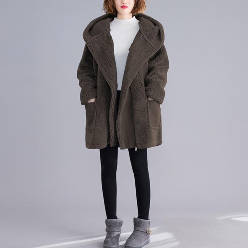 WYWAN الجينز سترة المرأة لشتاء عادية مقنع الدينيم Jakcets الإناث طويلة الأكمام أبلى معطف الجينز سترة المرأة حجم كبير