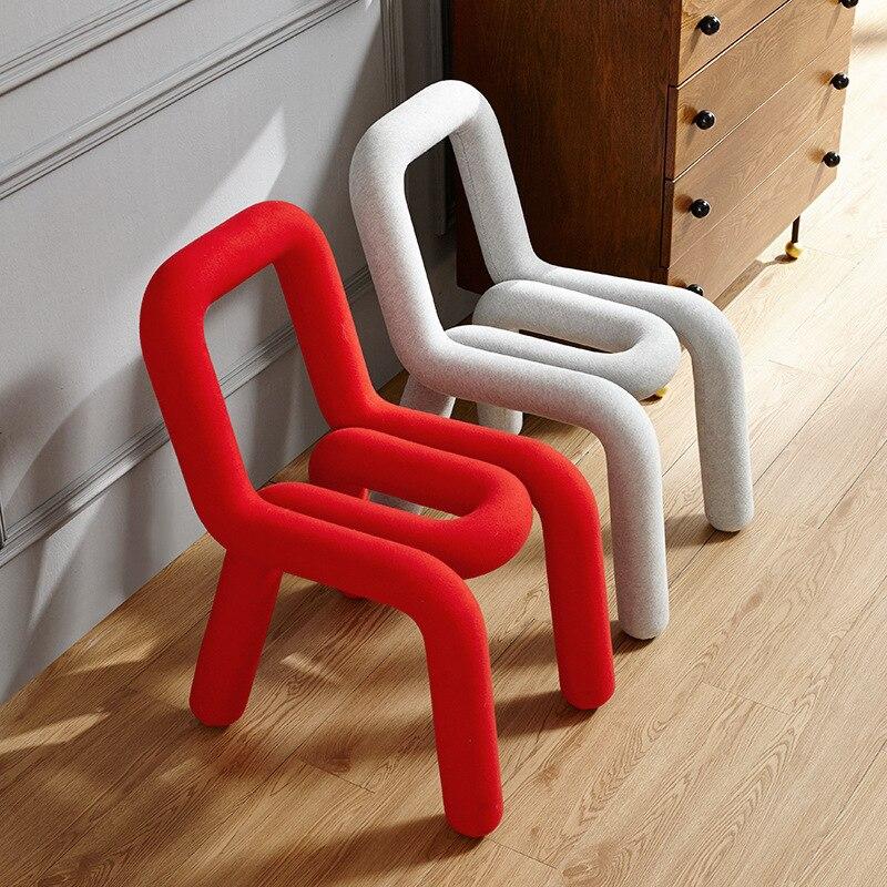 Обеденные стулья для детской комнаты, мебель для спальни, простой креативный стул в скандинавском стиле, оригинальный дизайн, стул для маки...