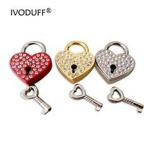 Clé de serrure de cadenas de coeur damour de diamant de strass de 3 couleurs pour la décoration de bagage