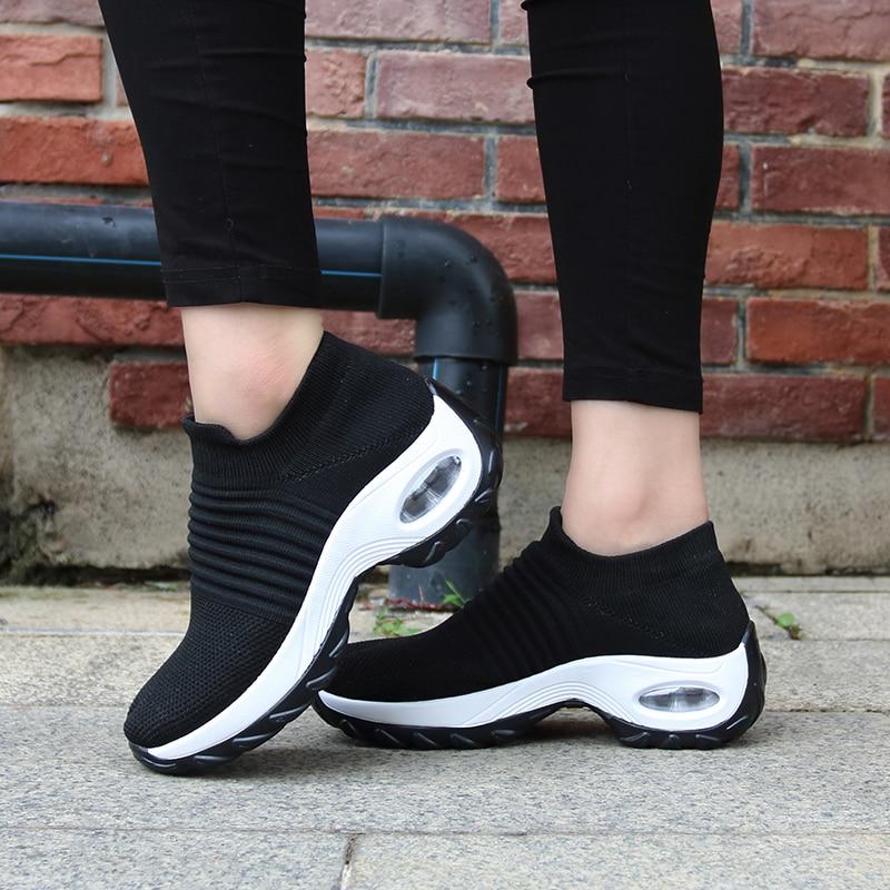 Купить с кэшбэком Eihort 2020 Breathable Female Sneakers Comfortable Soft Women Running Shoes Outdoor Non-slip Wear-resistant Casual Sports Shoes