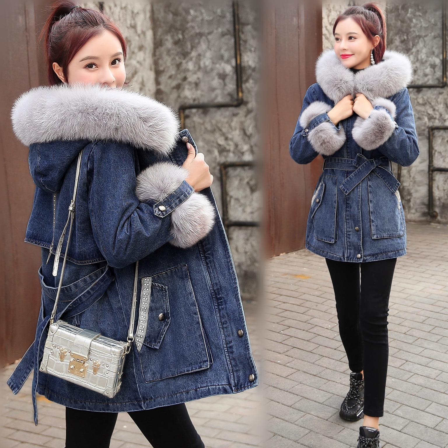 Женская джинсовая куртка с капюшоном FNOCE, повседневная утепленная джинсовая куртка с меховым воротником, с бархатной подкладкой, для зимы, ...