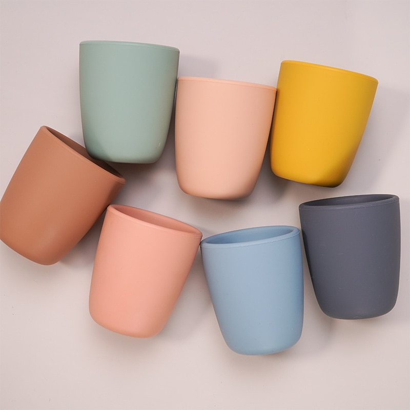 Portable Pure Color Baby Snack Cup Anti Scalding Food Grade Silicone Water Cup Learn To Drink Cup For Children
