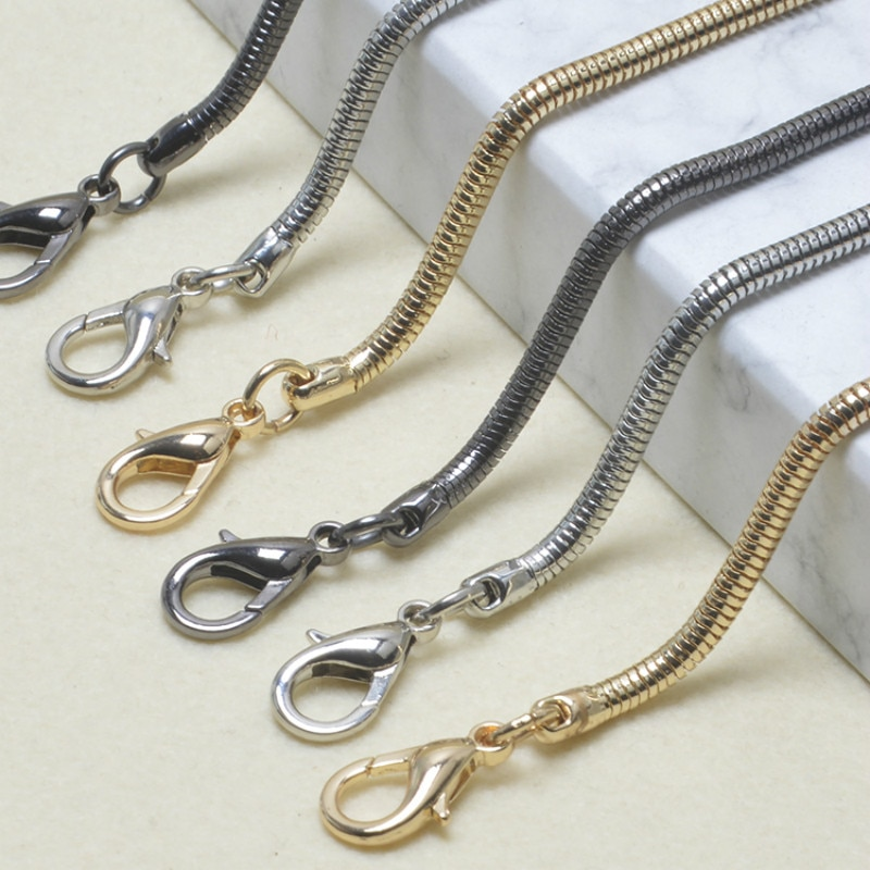Chain accessories with womens bags all kinds of strong chains oblique span small bags, metal