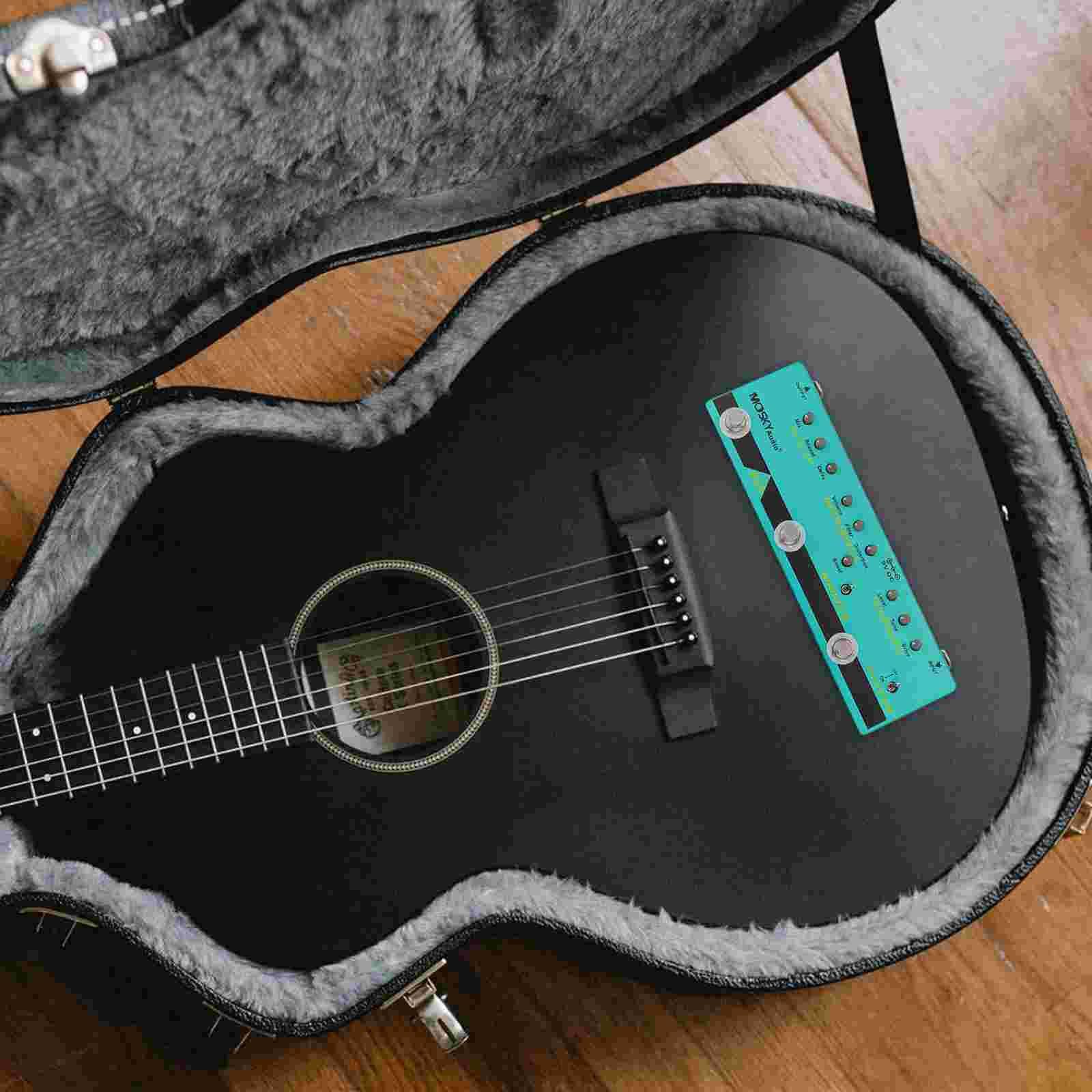 1pc Professional Guitar Effector Guitar Effect Processor Guitar Accessory (Sky-blue)