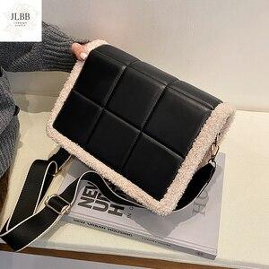 Модные квадратные плюшевые сумки через плечо в клетку для женщин, сумка-мессенджер из 2021 овечьей шерсти и искусственной кожи на плечо, женская дизайнерская сумка