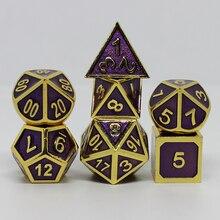 Dés en métal mdn dés ensemble rpg polyèdre solide dés jeu jeux de table en alliage de Zinc doré et violet numérique d & d dés 7 pièces