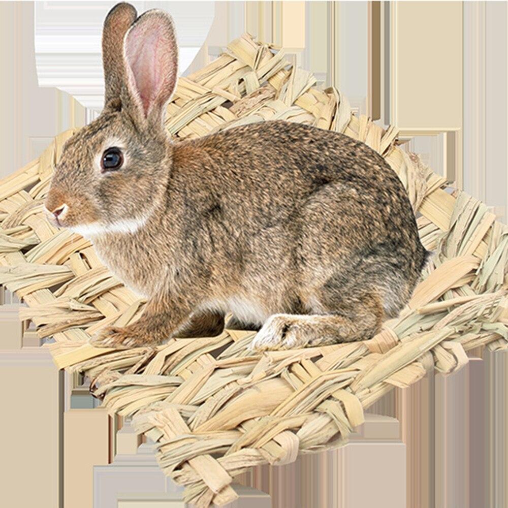 Alfombrilla de paja 2019 mascota hámster conejo juguete de mascar hierba almohadilla de preparación pequeña Animal rata conejillo de indias juguete de diversión para mascotas