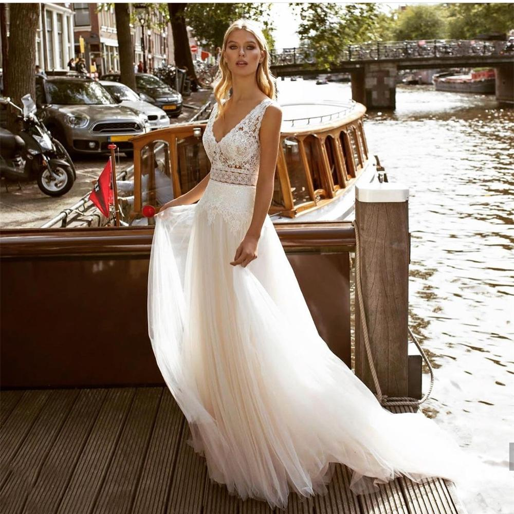 Wedding Dress 2021 V-Neck Lace Appliques Floor Length Backless Tulle Pleat Women Brides Lady Robe De Mariee White Sleeveless
