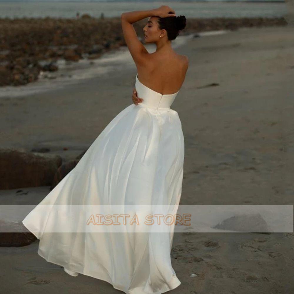 Simple Satin Wedding Dresses Sexy Strapless Sleeveless Backless A Line Sweep Train Cheap Beach Bridal Gowns Robe De Mariée