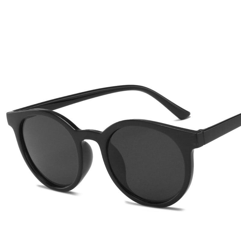 Fashion Women Vintage Cat Eye Sunglasses Small Frame Sun Shades Glasses Street Eyewear Luxury Trending Sunglasses Oculos UV400 gold frame pink cat eye stylish sunglasses
