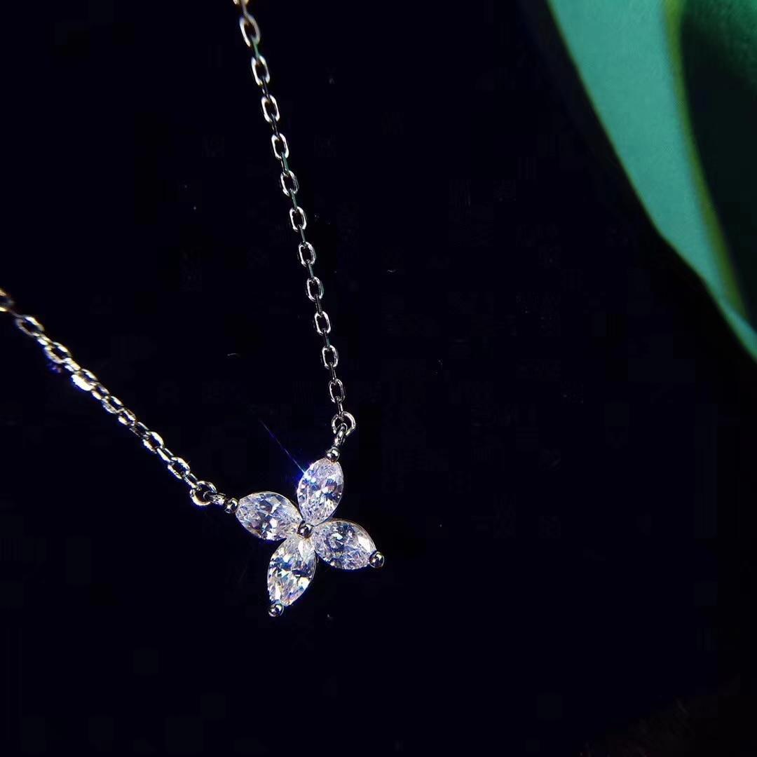 TSHOU154  TIFF 925 silver Four petals  flower  necklace  Zircon clavicle chain