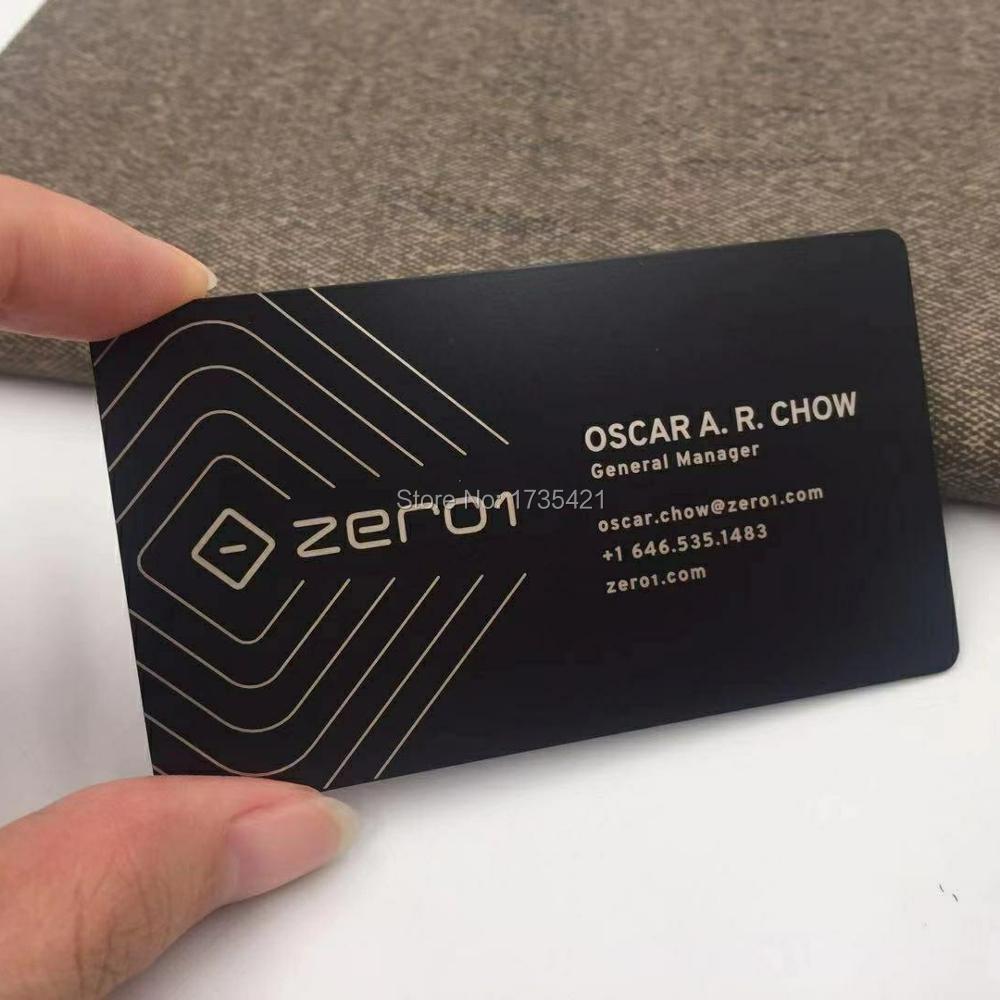 Zarys cięcia przez 80*50mm rozmiar czarny kolorowy nadruk vip członkostwo metalowa wizytówka