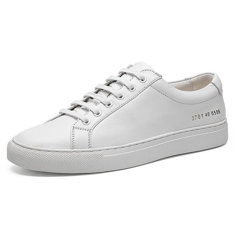 حذاء رياضي جلد مسامي للرجال ، حذاء كاجوال عصري ، حذاء موكاسين أبيض