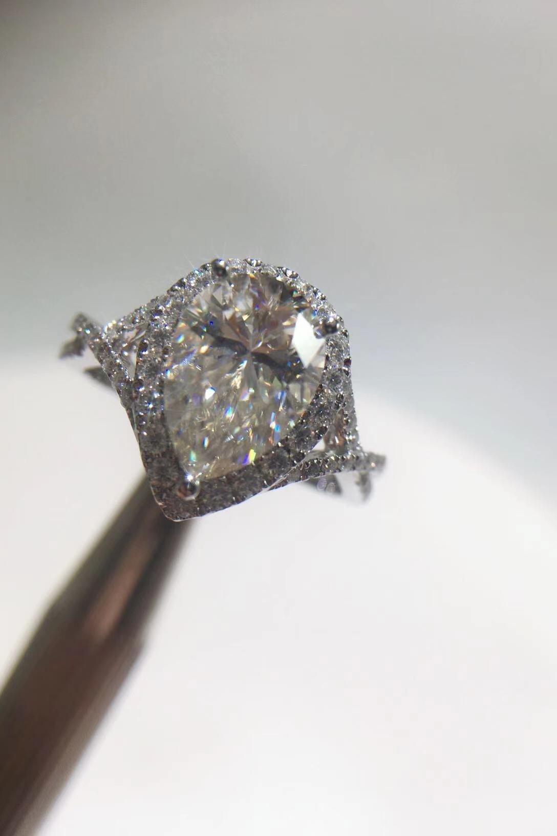 18K الذهب 2 قيراط على شكل قطرة على شكل الكمثرى VVS D اللون مويسانيتي الماس الكامل الفاخرة على شكل خاص خاتم السيدات