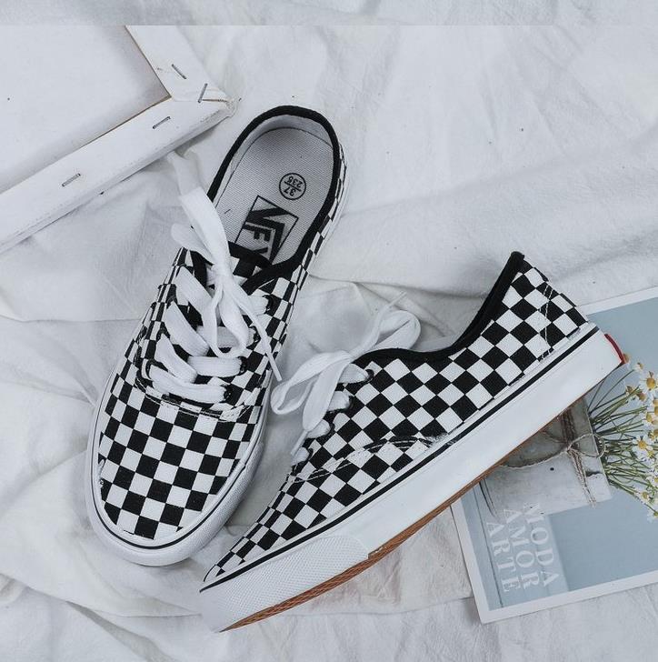 Moda damas Zapatillas Zapatos informales de tela vaquera damas verano lona zapatos zapatillas encaje Mujer negro y blanco Plaid Tynis Feminino